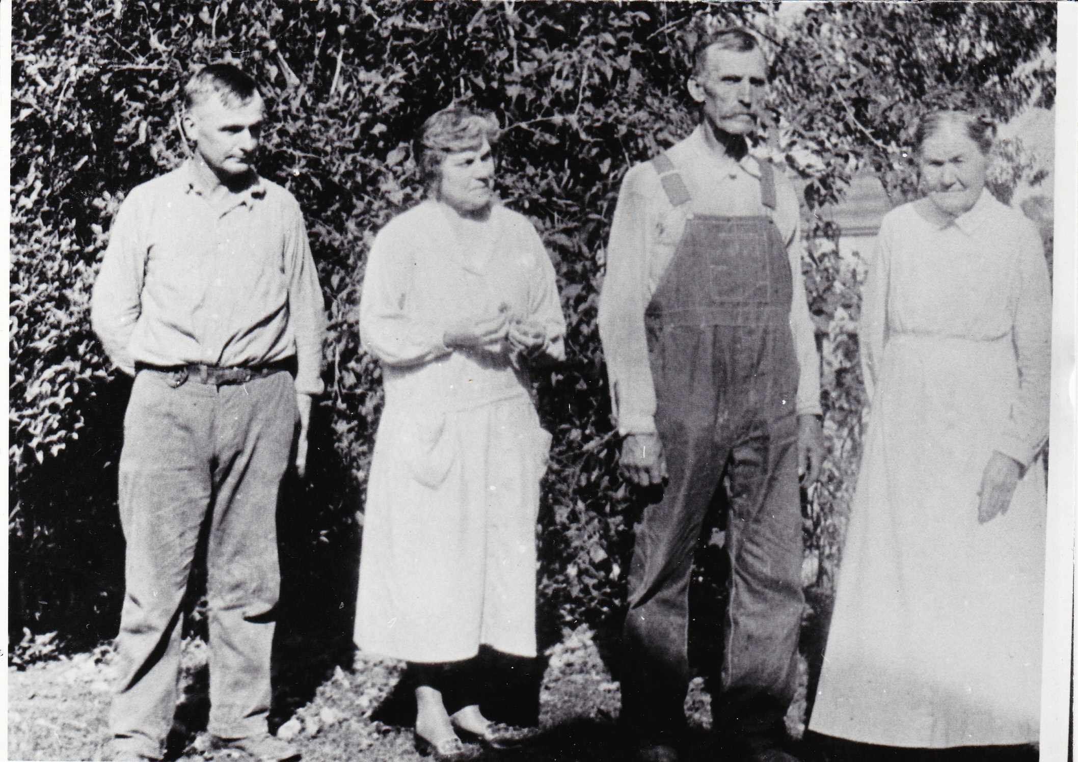 Roy, Lillian, John & Polly Nelson