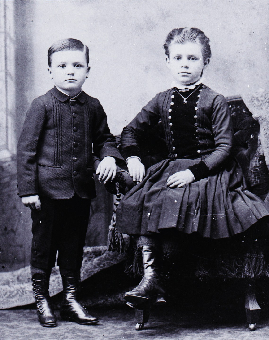Roy and Lilian as children c 1888